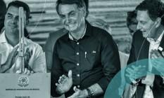 Presidente Jair Bolsonaro ao lado de seu filho, o senador Flávio Bolsonaro (sem partido-RJ) e o prefeito do Rio Marcelo Crivella (Republicanos) Foto: Nayra Halm / Fotoarena