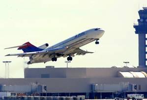 Avião decola no Hartsfield International Airport em Atlanta, EUA. Foto: Steve Schaefer / AFP