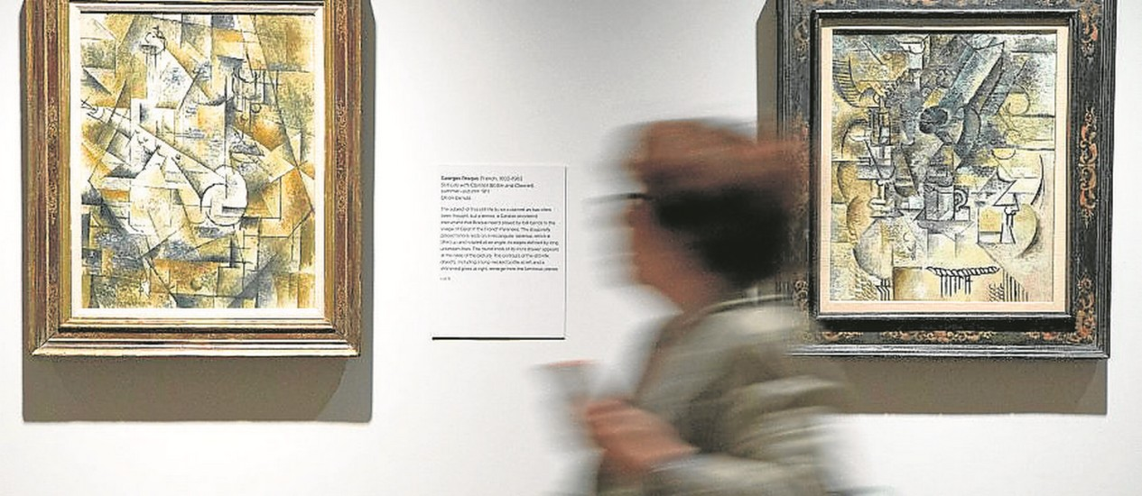Telas de Braque, à esquerda, e Picasso, à direita, no Metropolitan Foto: Ruth Fremson/The New York Times / Divulgação