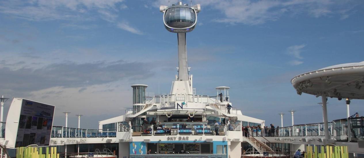 A gôndola North Star, que se eleva a quase cem metros do nível do mar, é um dos destaques do navio Quantum of the Seas Foto: Eduardo Maia / O GLOBO