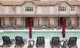 Um dos casarões históricos do Hotel Vila Galé, com vista para a piscina