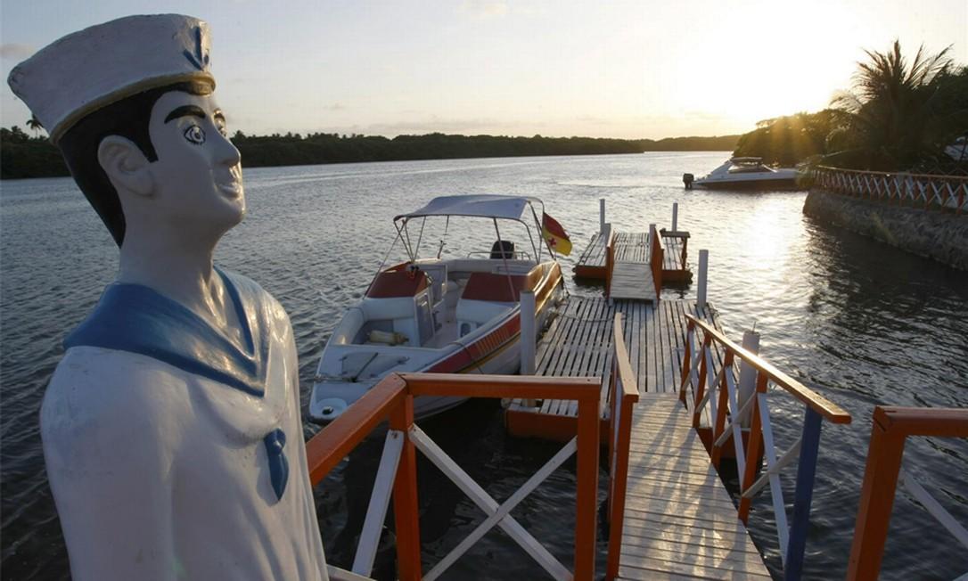 Cabo de Santo Agostinho, em Pernambuco, tem trilhas e passeios para a Ilha do Amor