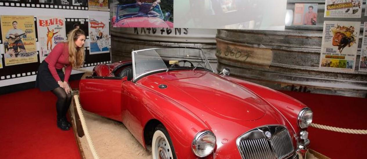 """O carro esportivo MG, dirigido por Elvis Presley no filme """"Blue Hawaii"""". O veículo pertencia ao cantor Foto: LEON NEAL / AFP"""