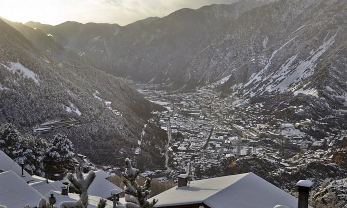 Perto do complexo de Grandvalira, em Andorra, há uma vila chamosa com casas de típicas e opções de hospegem Foto: Andorra Turisme / Divulgação