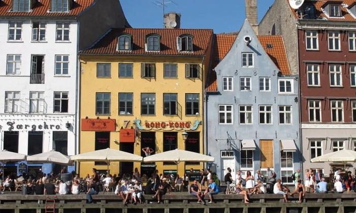 """Nyhavn, em Copenhague, cenário de """"A garota dinamarquesa"""" Foto: Eduardo Maia/1-9-2011 / Agência O Globo"""