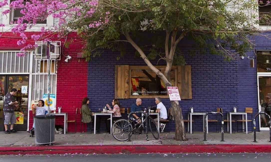 Flores. Rua do Arts District, perto de Downtown Los Angeles Foto: Mariana Timóteo da Costa / Divulgação