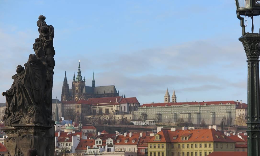 O castelo de Praga, visto da Ponte Carlos Foto: Juarez Becoza