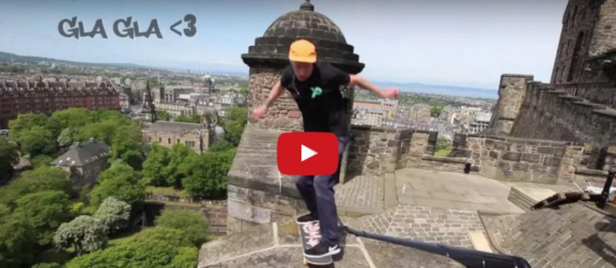 Skatista Pieute desafia muralhas do Castelo de Edimburgo Foto: Reprodução
