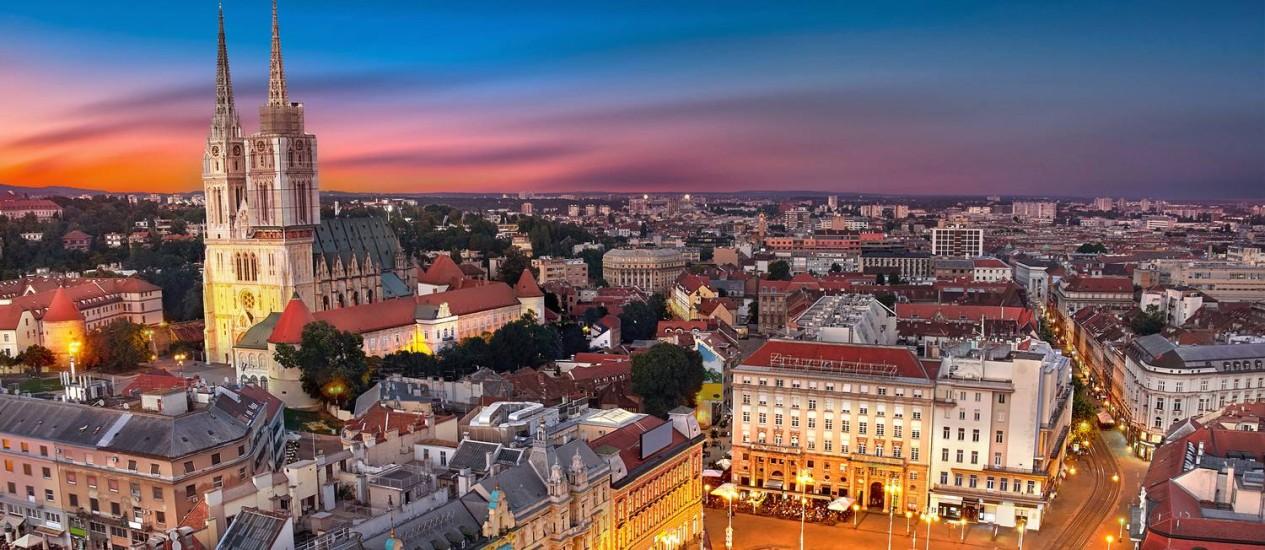Praças austro-húngaras e arquitetura brutalista marcam o centro urbano de Zagreb, capital da Croácia, onde também não faltam cafés e bons restaurantes Foto: Niar/Shutterstock/Divulgação