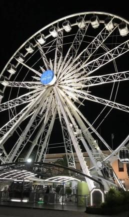 Cape Wheel, a roda-gigante que garante visão 360 graus da Cidade do Cabo, na África do Sul Foto: Léa Cristina / Agência O Globo