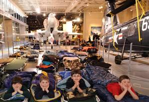 No Intrepid Sea, Air & Space Museum, o pernoite é em meio ao aviões Foto: Lindsay Silverman/Divulgação