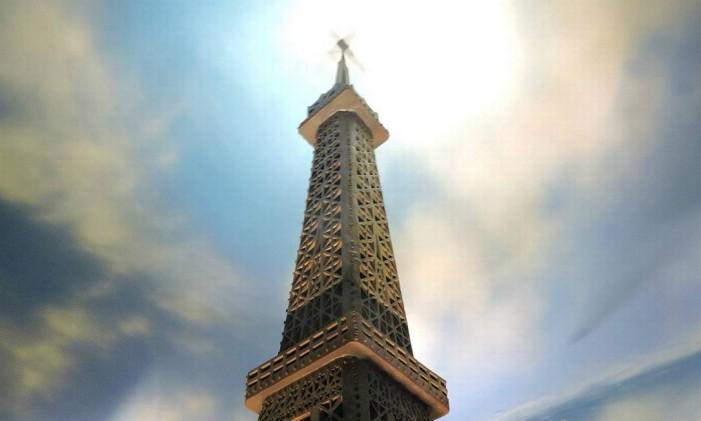 A Torre Eiffel tem 800 quilos de chocolate Foto: Mundo do Chocolate/Divulgação