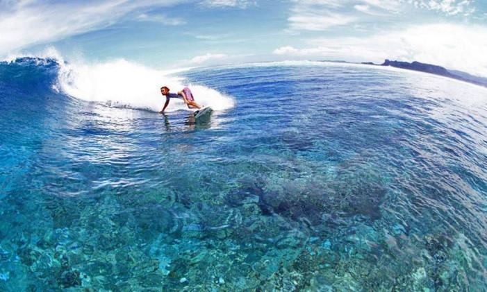 Oceania. Pohnpei, nas Ilhas Carolinas: recifes ajudam a formar boas ondas Foto: Pohnpei Surf Club / Divulgação