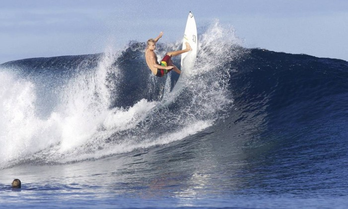 Campeonato. A Ilha de Tavarua, em Fiji, sedia uma das etapas do mundial de surfe Foto: Divulgação