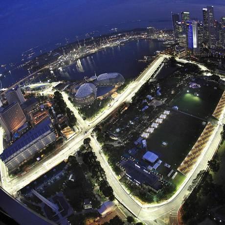Cingapura. A vista aérea do circuito nas ruas de Marina Bay Foto: Tim Chong/Reuters