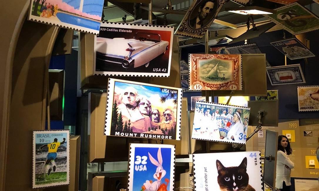 Relíquias. O Museu Postal Nacional reúne selos raros e de diversos países Foto: Henrique Gomes Batista