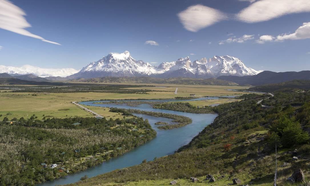 O Rio Serrano serpenteia pelo Parque Nacional Torres del Paine Foto: Edilson Dantas / Agência O Globo
