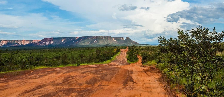 Cartão postal. Vista da Serra do Espírito Santo, onde é possível chegar ao topo Foto: Barbara Lopes / Agência O Globo