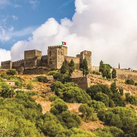 História. Monsaraz tem uma castelo do século XIV e uma fortaleza Foto: Victor Carvalho/Turismo do Alentejo/Divulgação
