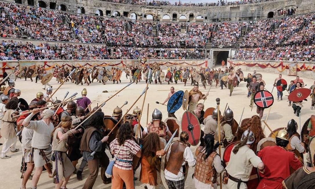 Gladiadores. Os Grandes Jogos Romanos de Nîmes, na França, acontecem de 28 a 30 de abril. Em sua nona edição, o tema será Spartacus Foto: Turismo de Nîmes/Divulgação