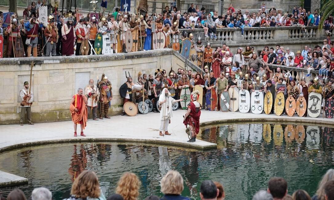 História. As atividades que celebram as glórias da Roma antiga acontecem por toda a cidade Foto: Turismo de Nîmes/Divulgação