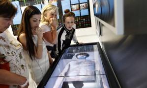 Legista. No Mob Museum, visitantes podem experimentar as atividades da polícia Foto: John Locher / AP