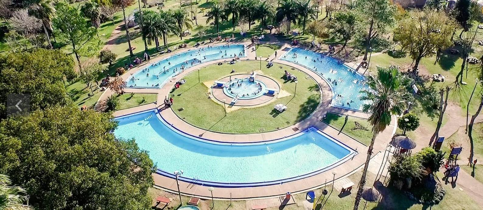 Resorts com termas são atrações populares em Salto, no Uruguai Foto: Ministério do Turismo do Uruguai / Reprodução