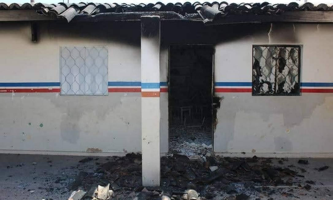 Posto de saúde destruído pelo fogo na aldeia Pankararu Foto: Reprodução