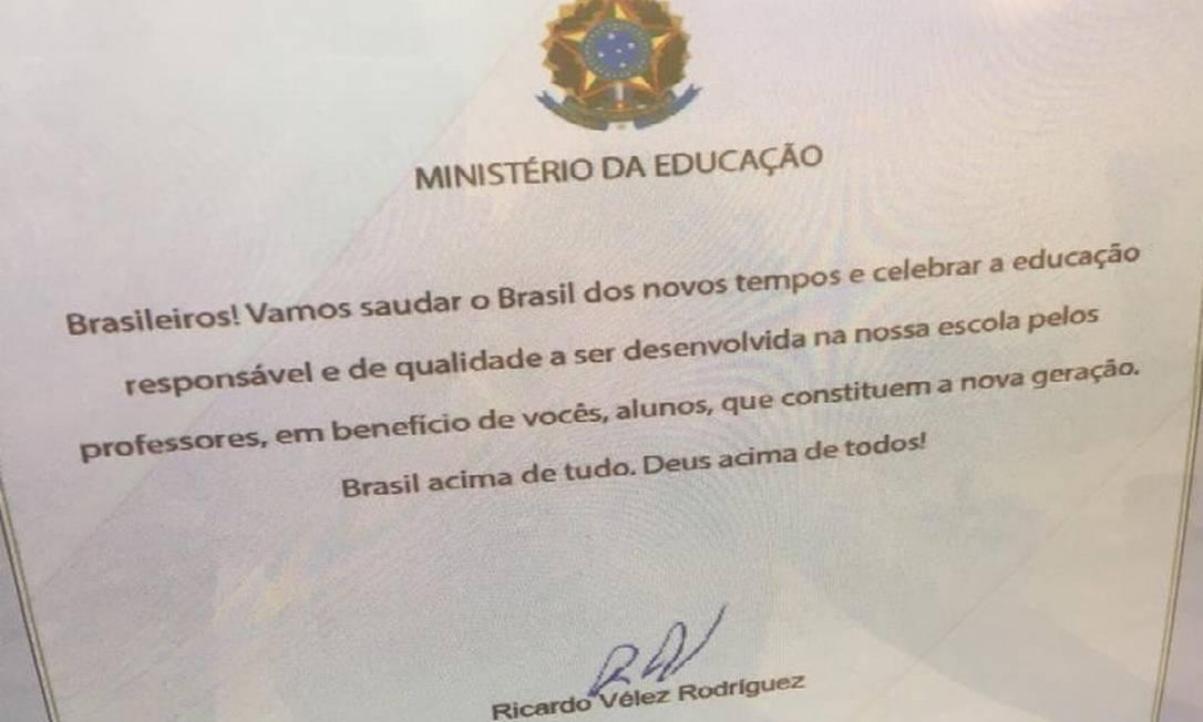Carta assinada pelo ministro da educação aos estudantes de escolas públicas do Brasil Foto: Reprodução