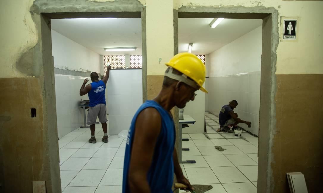 Quase metade (41%) das escolas do Acre não contam com banheiro dentro do prédio onde estão instaladas Foto: Brenno Carvalho / Agência O Globo