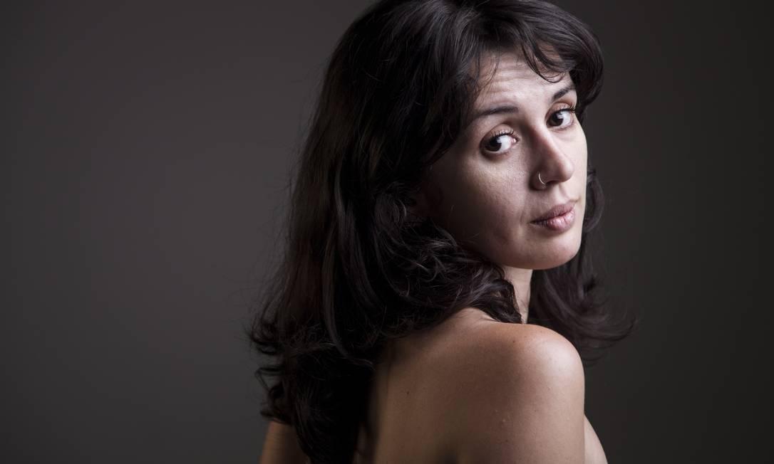Para a especialista Erika Cardoso, estamos mais explícitos e discretos que há 50 anos em relação ao consumo de pornografia Foto: Leo Martins / Agência O Globo