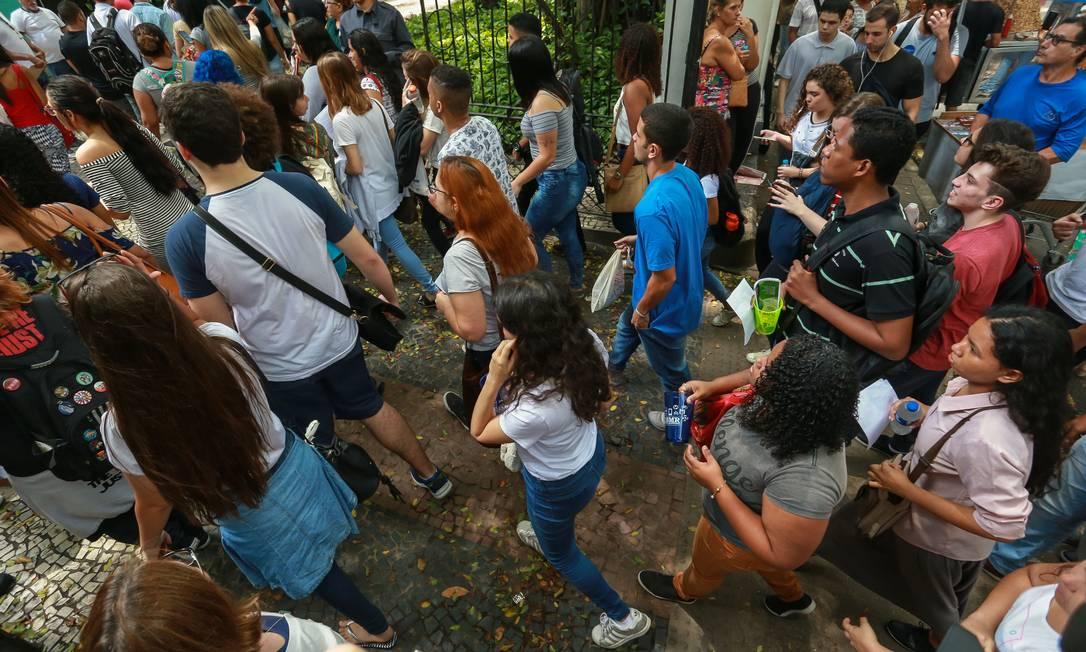 Candidatos no primeiro dia de prova do Enem 2018: regras para redação deste ano foram divulgadas Foto: Marcelo Régua / Agência O Globo