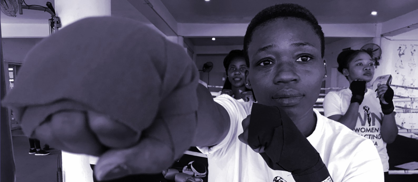 Depois de ser agredida, Adeola Olamide decidiu aprender técnicas de autodefesa para encarar um adversário maior e mais forte Foto: Reuters