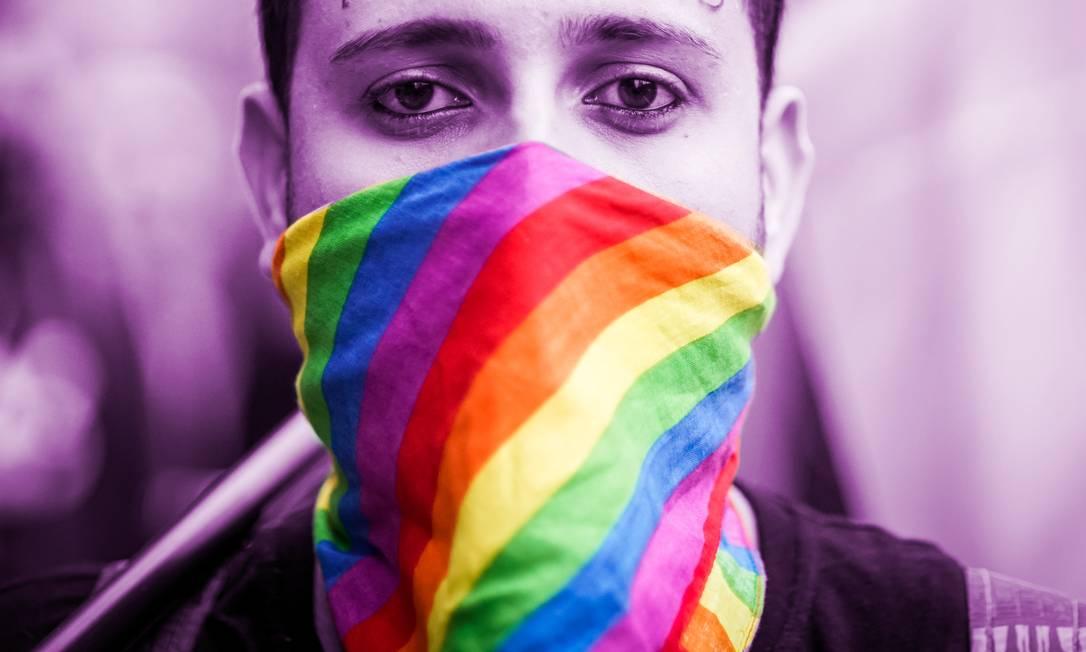 Parte da população LGBT vivencia situações de vulnerabilidade que podem dificultar o acesso à saúde, especialmente durante a pandemia Foto: Pablo Albarenga / Agência O Globo