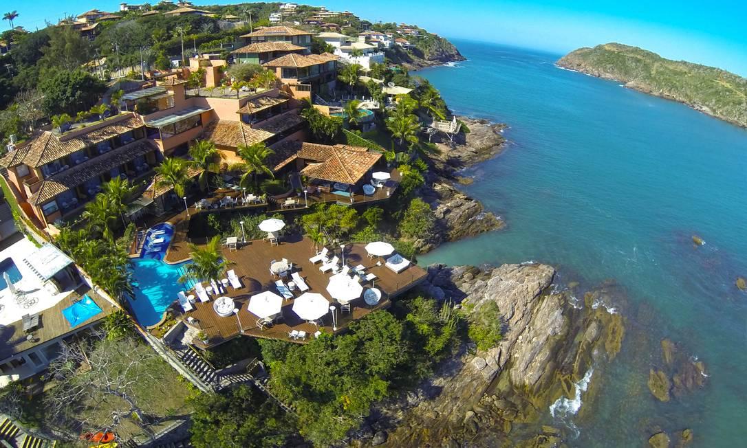 Em Búzios, de frente para o mar, entre o verde e a água e com descontos especiais. Foto: Anibal Sciarretta / Hotel Ferradura Private