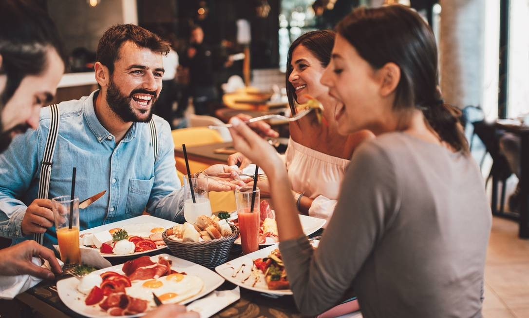 Descontos exclusivos de até 50% em mais de 4.000 restaurantes e serviços de delivery. Foto: Serbia / djile - stock.adobe.com