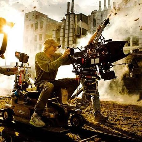Michael Bay no set de 'Transformers 4' Foto: Michael Bay / Divulgação