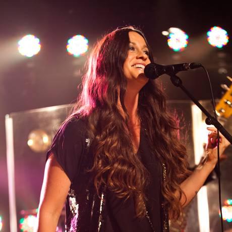 A cantora Alanis Morissette disse que espera adaptar seu álbum de sucesso 'Jagged little pill' para os palcos da Broadway Foto: Jeremy Harris / AP