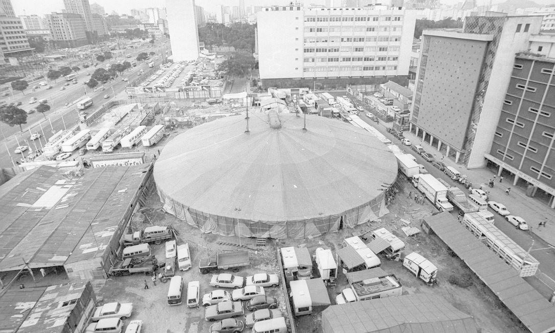 O circo Orlando Orfei na Praça Onze Foto: Arquivo