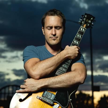 O guitarrista e compositor Jonathan Kreisberg Foto: Jimmy Katz / Divulgação