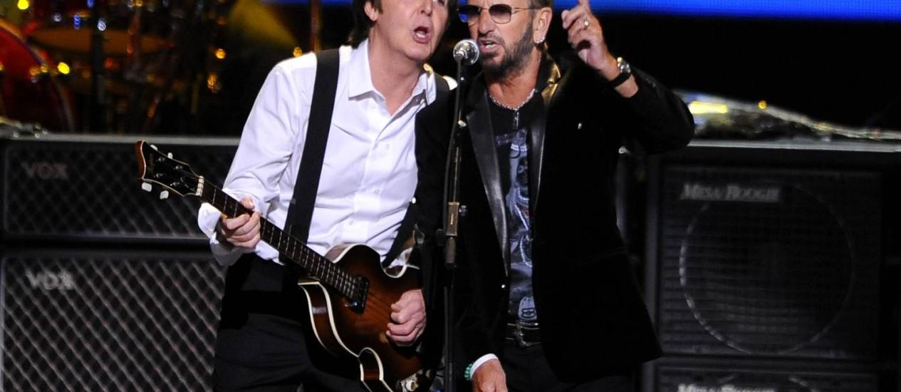 Paul McCartney e Ringo Starr se apresentam em Nova York, em 2009 Foto: Stephen Chernin / AP
