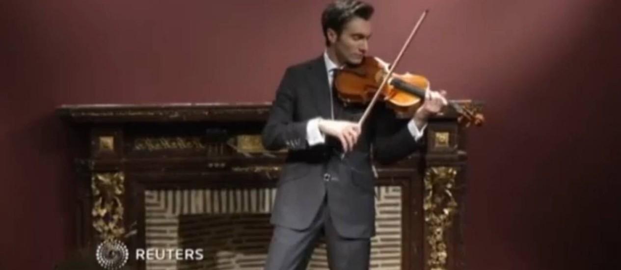 Sotheby's leiloará viola Stradivarius feita pelo maestro italiano Foto: Reuters / Reprodução