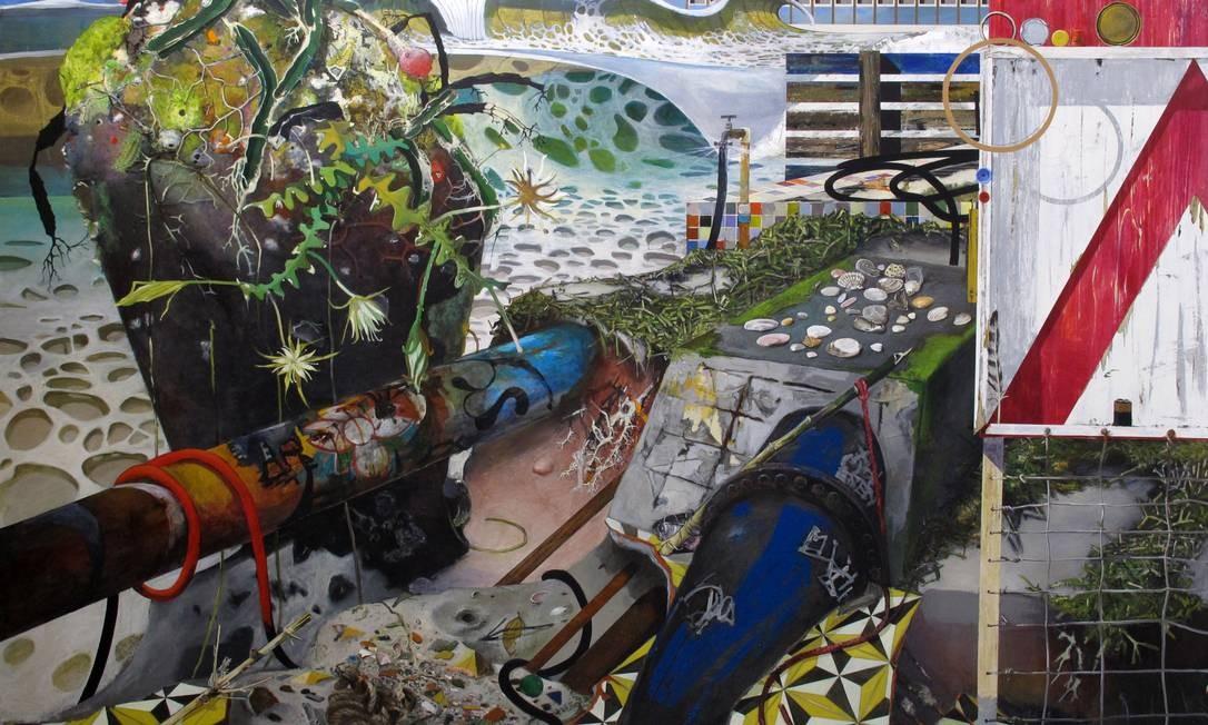 'Erosão'. A tela de 2014 é uma das mais recentes produzidas pelo artista, e, como as outras na mostra, traz elementos recorrentes em sua obra: ondulações que remetem à água, conchas (dispostas exatamente como na mesa na primeira sala), folhagens Foto: Divulgação