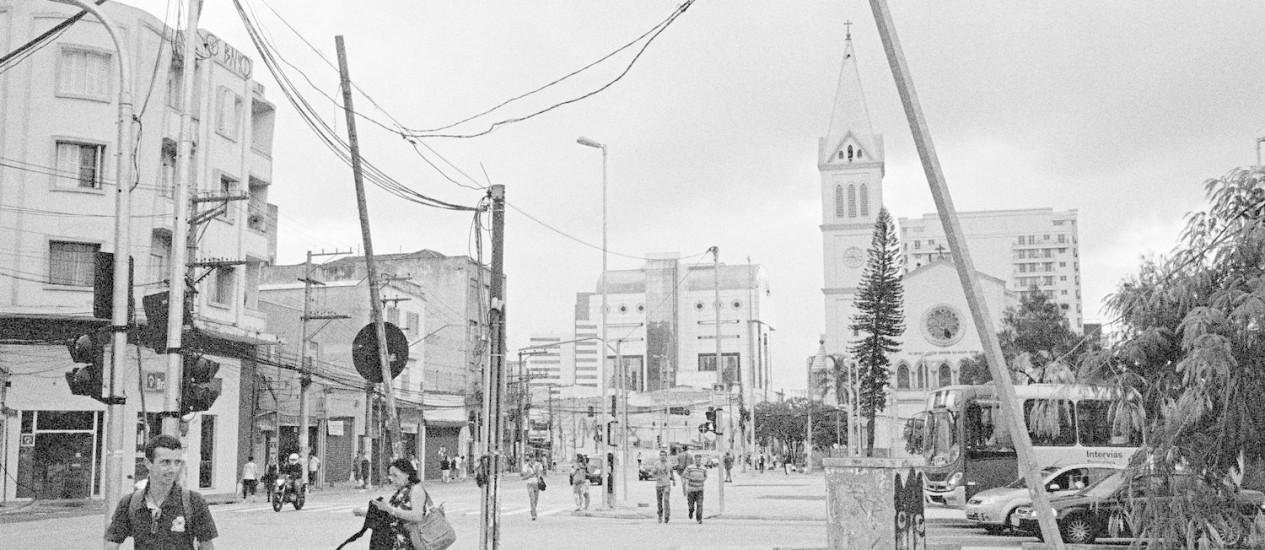 Na fotografia 'São Paulo? Largo da Batata #1' (2014), Mauro Restiffe registra espaço em São Paulo que passou por obras e já parece em decadência. Obra está na exposição 'São Paulo Fora de Alcance', que o Instituto Moreira Salles inaugura neste sábado. Foto: Divulgação / Mauro Restiffe/IMS