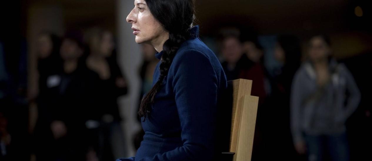 Marina Abramovic na performance 'The Artist is Present', no Museu de Arte Moderna de Nova York Foto: Joshua Bright / NYT