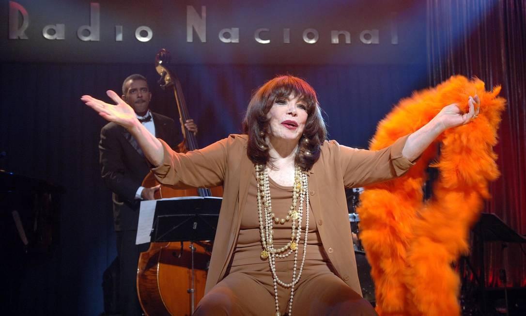 Marlene canta no palco da Rádio Nacional do Rio, em 2007 Foto: Steferson Faria / Divulgação