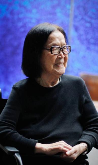 Tomie Ohtake é considerada a dama das artes plásticas brasileiras pela carreira consagrada Marcos Alves / Agência O Globo