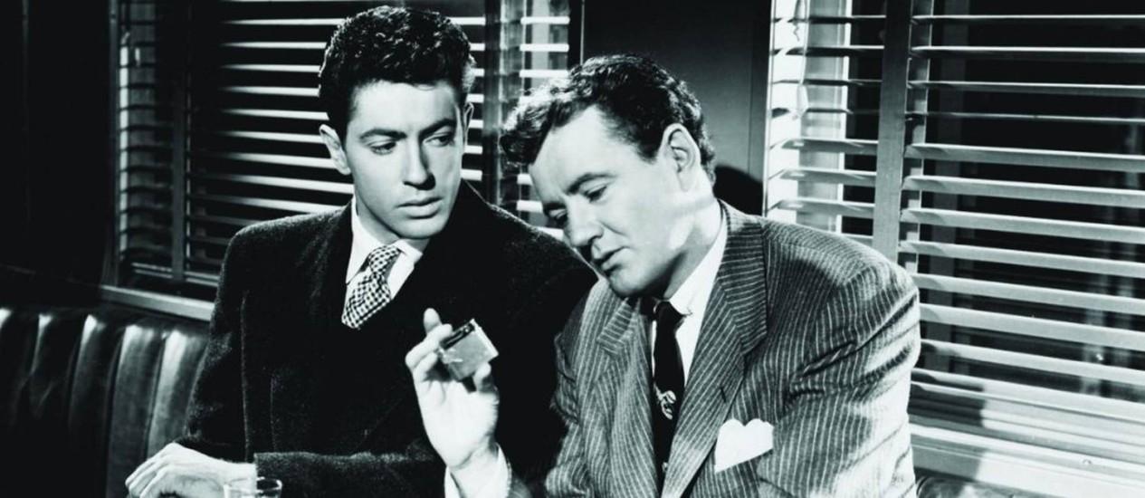 Farley Granger e Robert Walker em cena de 'Pacto sinistro', de 1951 Foto: Divulgação