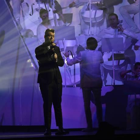 Sam Smith se apresenta no Brit Awards Foto: TOBY MELVILLE / REUTERS