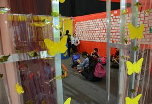 Crianças escrevem ideias para novos objetos Foto: Divulgação